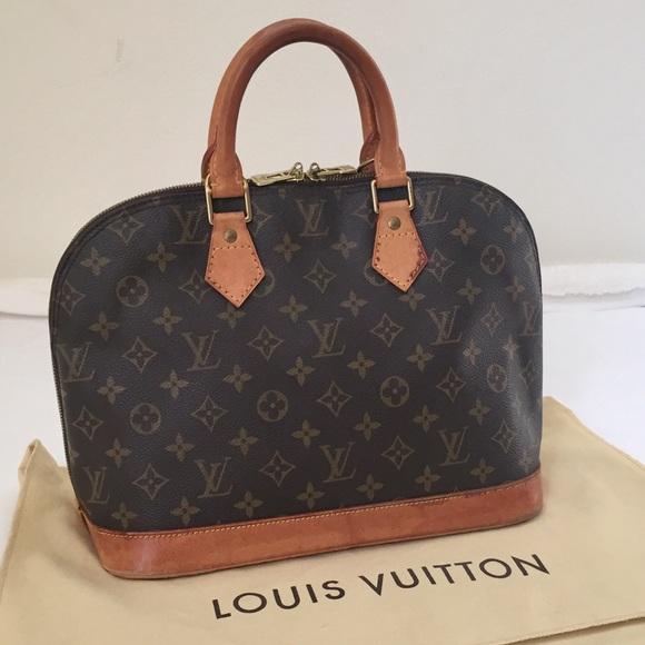 1110961f145 Louis Vuitton Handbags - Authentic Louis Vuitton Alma PM